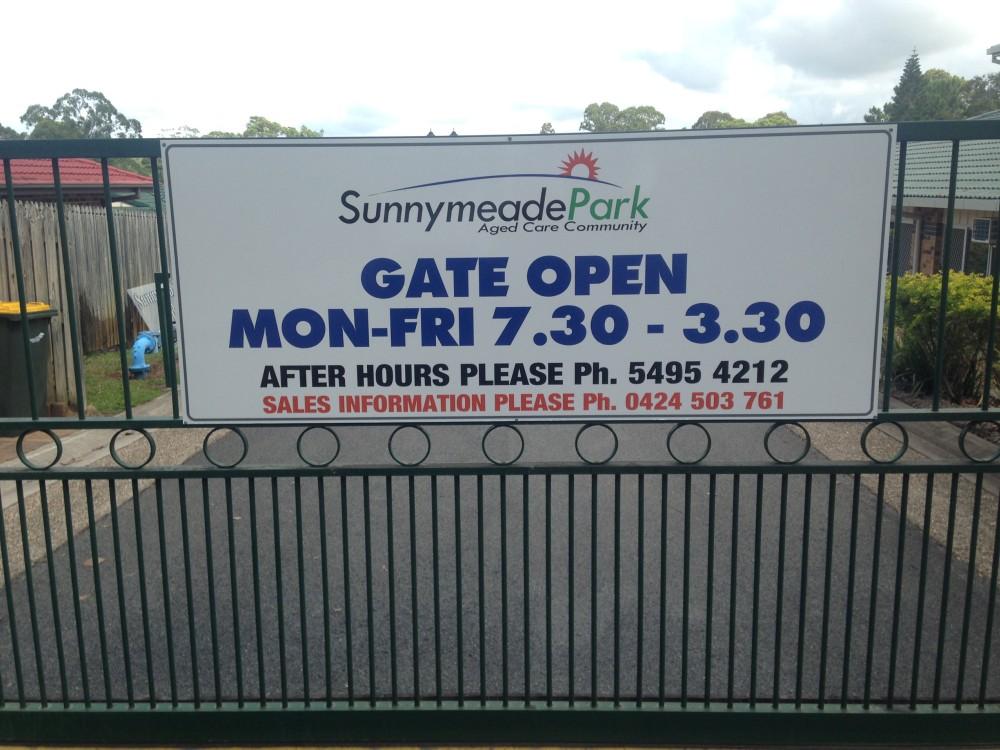 sunnymead-park-gate-2